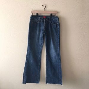 FOREVER21 Rose Embroidered Flare Jeans. Sz 25.